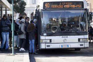 Multe autobus Roma, 700 al giorno: pensate quanti sono quelli sena biglietto...
