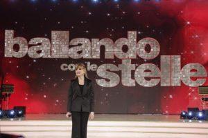 """Ballando con le Stelle, Milly Carlucci sogna Cristiano Ronaldo in trasmissione: """"Quegli addominali..."""""""