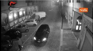 Bancomat assaltati a Solaro e Luisago: in 5 li fanno esplodere
