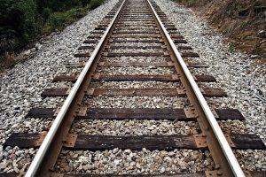 Mola di Bari: cadavere sui binari. Treni sospesi per due ore tra Bari e Lecce