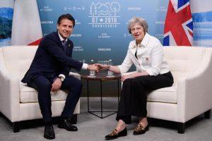 Brexit, eclissi totale dell'Italia: con la May trattano Macron e Merkel, Conte obliterato