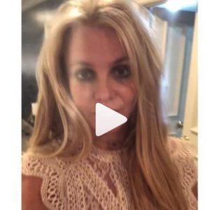 """Britney Spears, un video Instagram per tranquillizzare i fan. Ma loro non ci credono: """"La hanno costretta"""""""