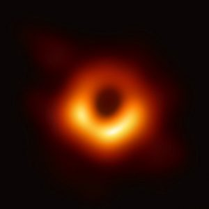 """Antonio Zichichi: """"La foto del buco nero? Non sappiamo cosa farcene. E' ovvio che doveva essere così"""" (foto Ansa)"""