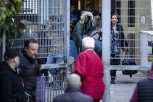 Rom: Casal Bruciato li caccia, la famiglia rinuncia alla casa popolare