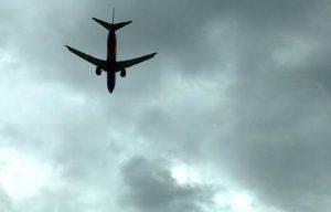 Pisa, ha un infarto sul volo Catania-Amsterdam. Turista olandese muore in aeroporto dopo atterraggio di emergenza (foto d'archivio Ansa)