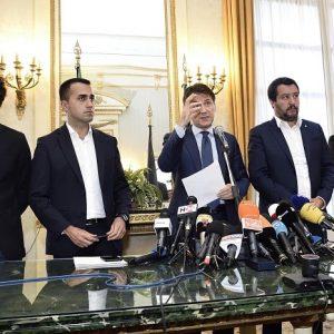 Crisi di governo, un disco rotto anche a Pasqua. Salvini, Toninelli & co dicono...nulla