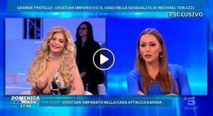 Domenica Live, Francesca Cipriani si agita troppo e il vestito...