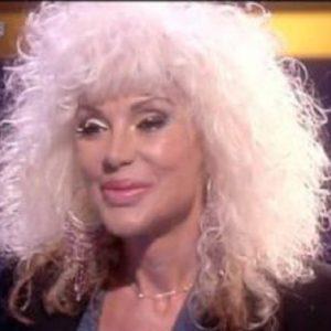 """Domenica In, Donatella Rettore: """"Quando andavo in Tv mia madre cambiava canale..."""""""