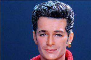 Luke Perry, la bambola di Dylan McKay identica a quella della Mattel del 1991: costa 300 euro