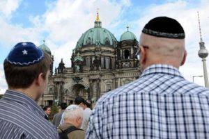 """""""Ebreo"""", perché stiamo tornando ad abituarci a questa parola come un insulto"""