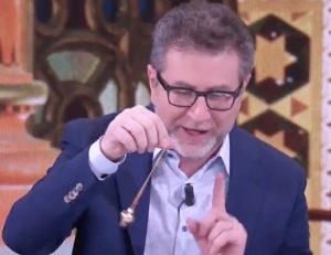 """Che Tempo Che Fa, l'ironia di Fabio Fazio: """"Vediamo se finiamo su Rai 1, Rai 2, Rai 3 o Rai Yoyo"""""""