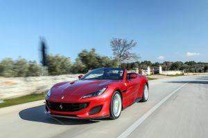 Bari: va in chiesa con la Ferrari per fare la prima comunione. E' figlio di un boss