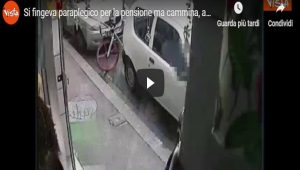 Firenze, si finge paraplegico ma... cammina: arrestato VIDEO