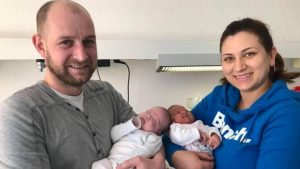 Germania, due gemelle nate a 3 mesi di distanza l'una dall'altra