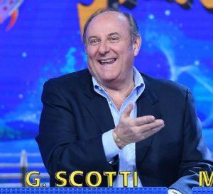 """Striscia la Notizia, il ritorno di Gerry Scotti: """"Ecco la notizia che mi piacerebbe dare"""""""