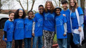 Mamme coi 6 figli adottivi giù dalla scogliera: fu omicidio-suicidio. I bambini erano drogati