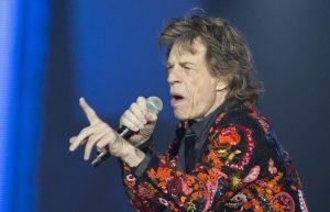 """Mick Jagger, intervento al cuore e tour posticipato. Lui ringrazia e twitta: """"Sto molto meglio"""""""