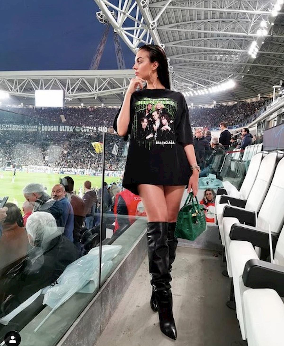 taglia 40 4392e e8dec Georgina Rodriguez Juventus-Ajax minigonna Instagram, foto ...
