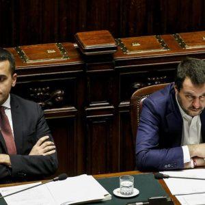 """Lega-M5s, lite infinita su caso Siri e Salva-Roma. Salvini: """"Guai chi accosta Lega e mafia"""". Conte: """"Decido io"""""""