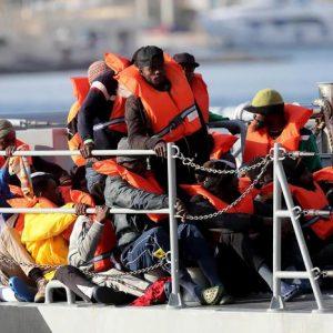 Libia: l'esodo di 800 mila, bagno di sangue...Cifre e parole iper gonfiate