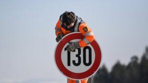 Autostrada, limite velocità a 150 km/h? Altro secco no M5S alla proposta leghista