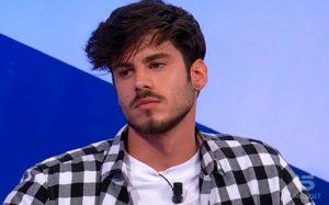 """Uomini e Donne, Luca Daffrè si dichiara per Angela: """"Giulia..."""""""