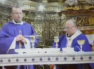 malta arcivescovo whisky messa