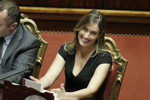 Maria Elena Boschi con Giulio Berruti inseparabili al party. L'ex ministra e l'attore...