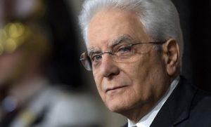 """Legittima difesa, Mattarella promulga la legge. Ma scrive alle Camere e a Conte: """""""