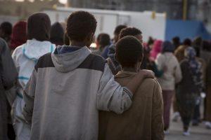 Calolziocorte: scuola e stazione zone rosse interdette ai migranti. Provincia di Lecco o Alabama?