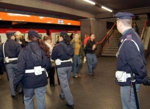 Milano, metro: scippatrici di tutta Italia all'assalto