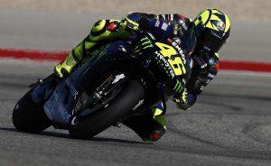 Valentino Rossi brilla ad Austin ma alla fine vince Rins. Marquez ko dopo caduta rovinosa