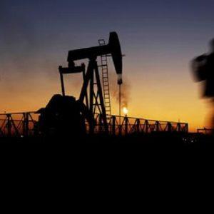 Trump, addio esenzioni per chi acquista petrolio dall'Iran. Nella lista anche l'Italia