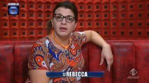 """Rebecca De Pasquale, l'ex Gf racconta: """"Oggi lavoro come colf e dog sitter"""""""