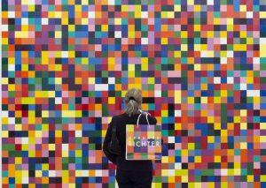 Germania: rovista nella spazzatura del maestro Gerhard Richter e si tiene 4 disegni. Denunciato