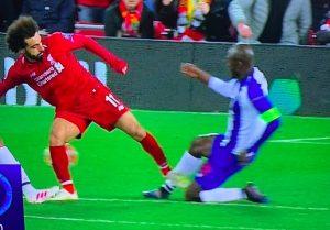 Salah, entrata con piede a martello in Liverpool-Porto: meritava espulsione