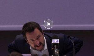 """Salvini sbotta con la giornalista che gli chiede di Le Pen: """"Ma c...o l'ho detto 16 volte!"""""""