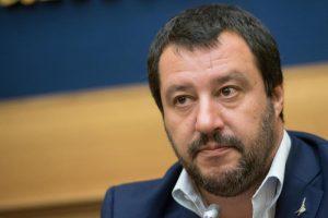 """Salvini: """"M5s cambia idea troppo spesso. Si mettano d'accordo"""""""