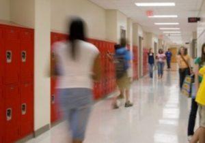 Florida, 2 studentesse di 14 anni arrestate: in una cartellina pianificavano 9 omicidi