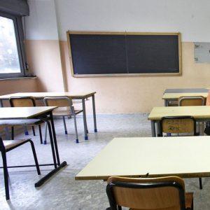 Scuola, revocato lo sciopero del 17 maggio: Governo promette soldi, ma non dice quando