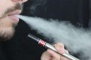 Sigarette elettroniche veicolo di batteri e funghi per infezioni