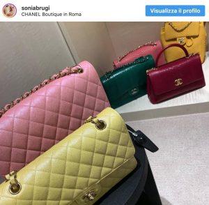 """Ciao Darwin, Sonia Bruganelli: post Instagram con polemiche. Gli utenti: """"Un uomo rischia la paralisi e tu pensi alle borse"""""""