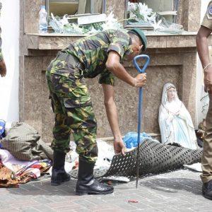 Sri Lanka, la polizia temeva da giorni attentati kamikaze nelle chiese. Ma non poteva prevedere questo