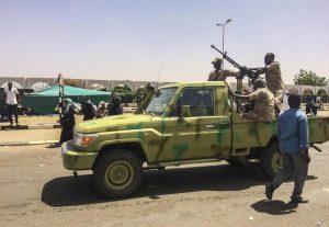 Sudan, colpo di Stato in atto. L'esercito nella sede tv, Bashir è al potere da 30 anni