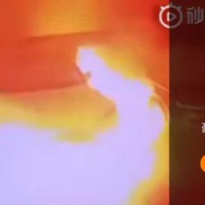 shangai tesla prende fuoco