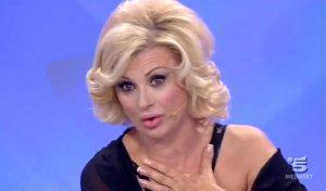 """Uomini e donne, Tina Cipollari contro Andrea Zelletta: """"Gli uomini sono cogli***"""""""