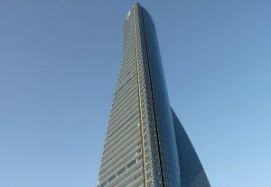 Madrid, allarme bomba: evacuato il grattacielo Torrespacio che ospita le ambasciate