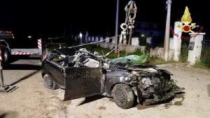 Trebaseleghe (Padova): carabinieri sul luogo dell'incidente. Travolti da un'altra auto nello stesso punto