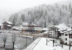 Meteo: maltempo e freddo al Nord Est, neve e valanghe sulle Dolomiti