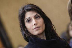Virginia Raggi indagata per lo stadio della Roma a Tor di Valle. Accusa: progetto non approvato in Consiglio comunale